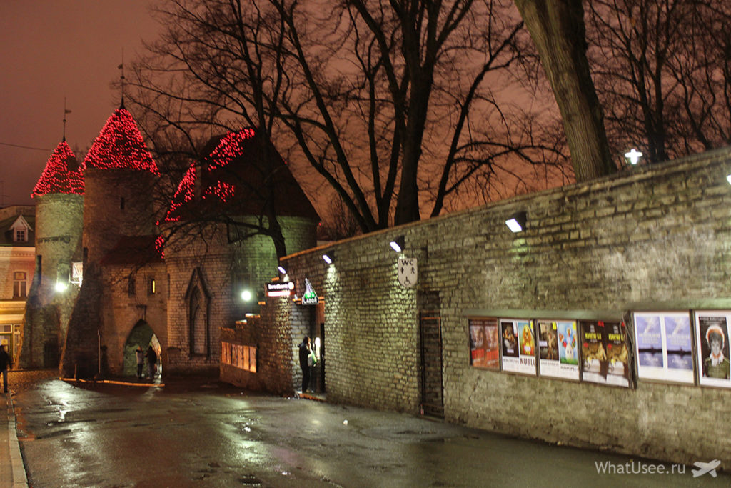 Старый город в Таллине зимой