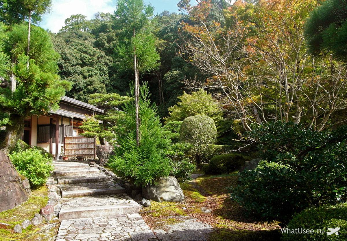 Традиционный сад у рёкана