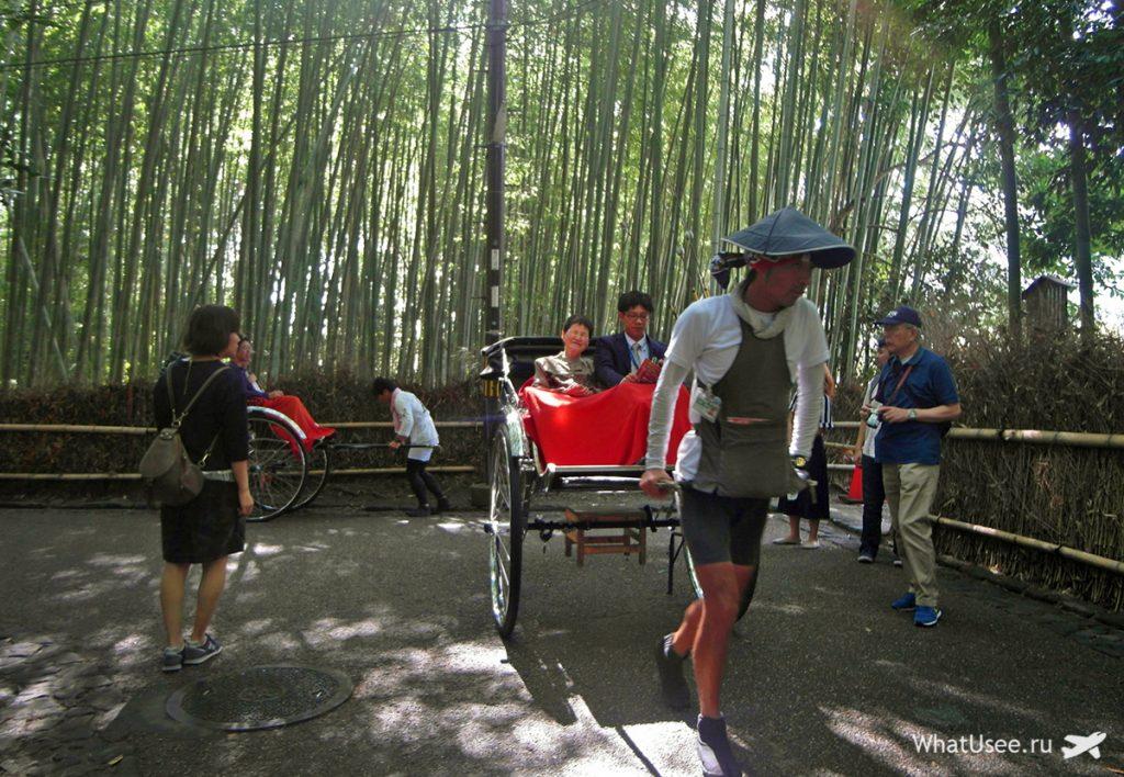 Рикша в Арасияме в Японии