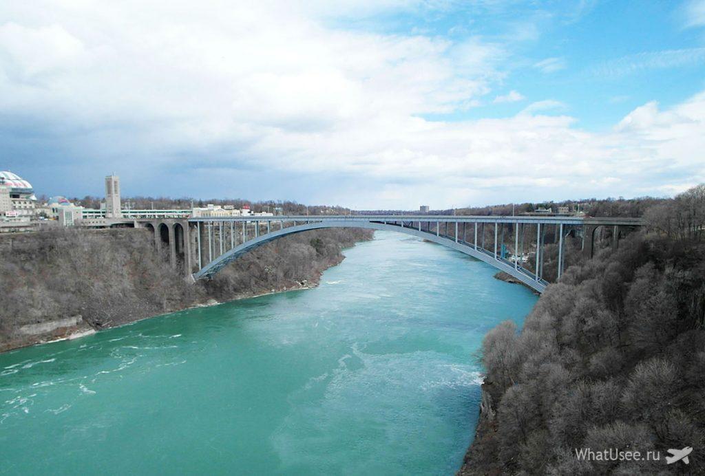 Радужный мост на Ниагарских водопадах