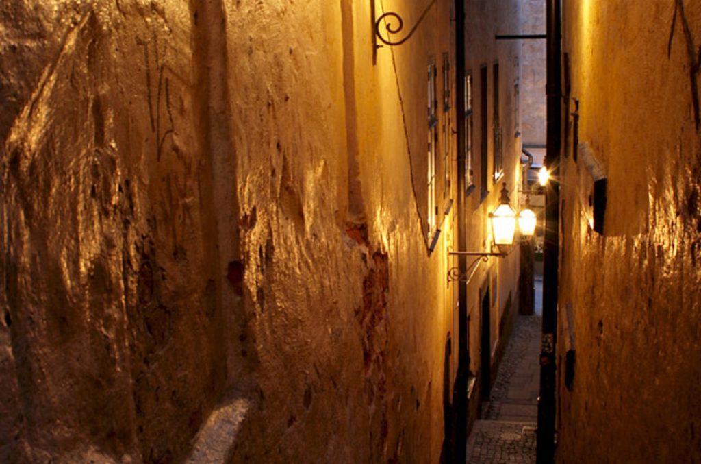 Самый узкий переулок в Стокгольме Mårten Trotzigs gränd