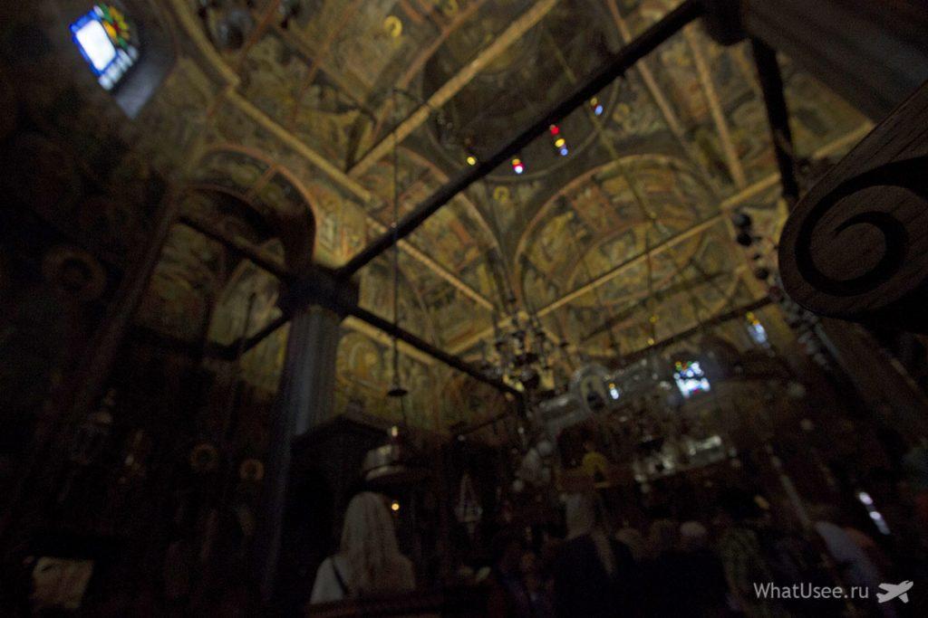 Внутри монастырей в Метеорах