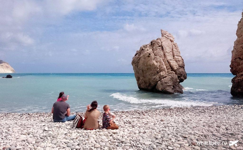 Галечные пляжи в бухте Афродиты