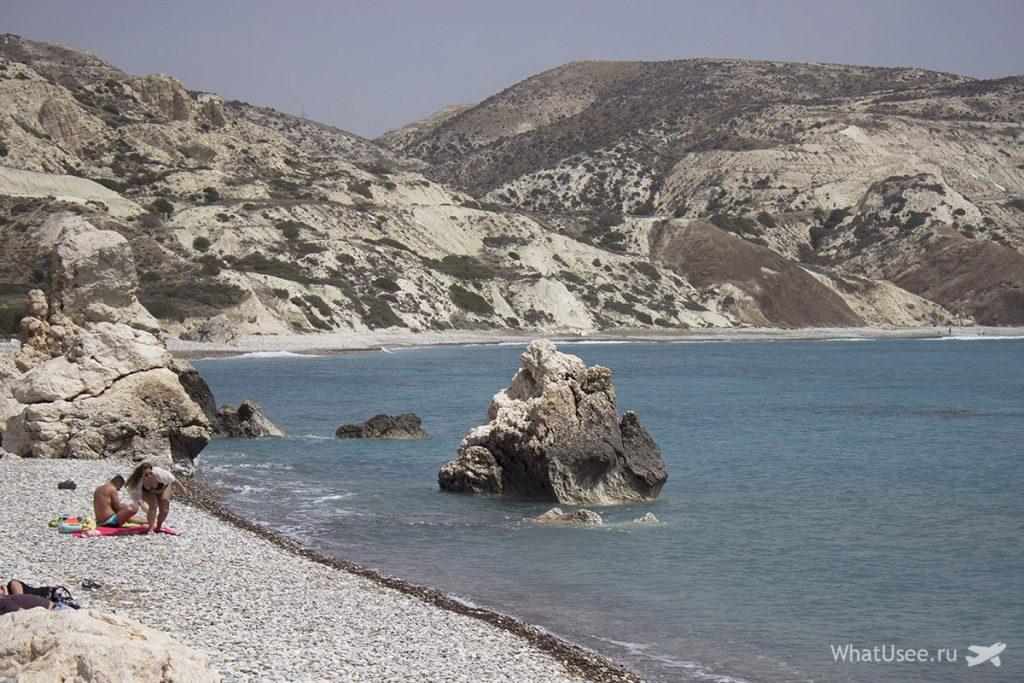 Галечный пляж в бухте Афродиты