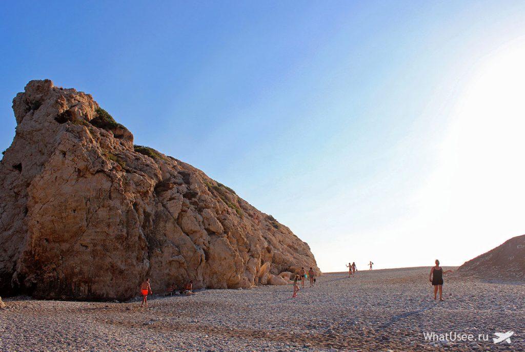 Купание у камня Афродиты на Кипре