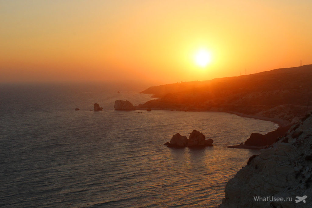Камень Афродиты и закат