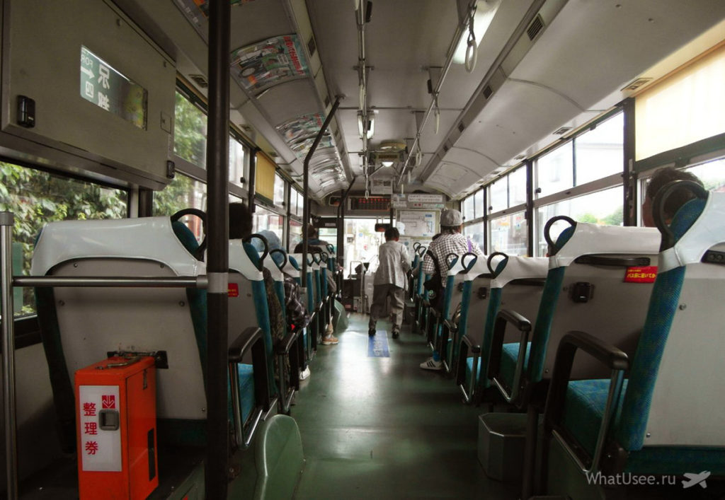 Фото автобуса в Японии