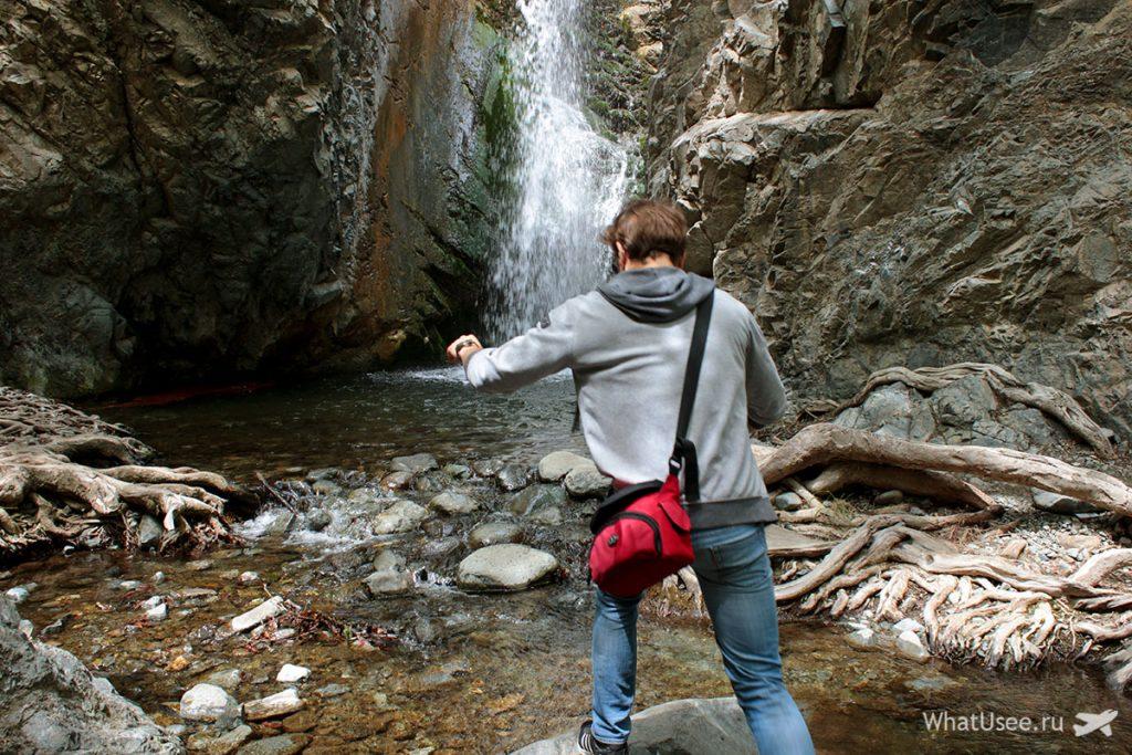 У водопада Милломери на Кипре