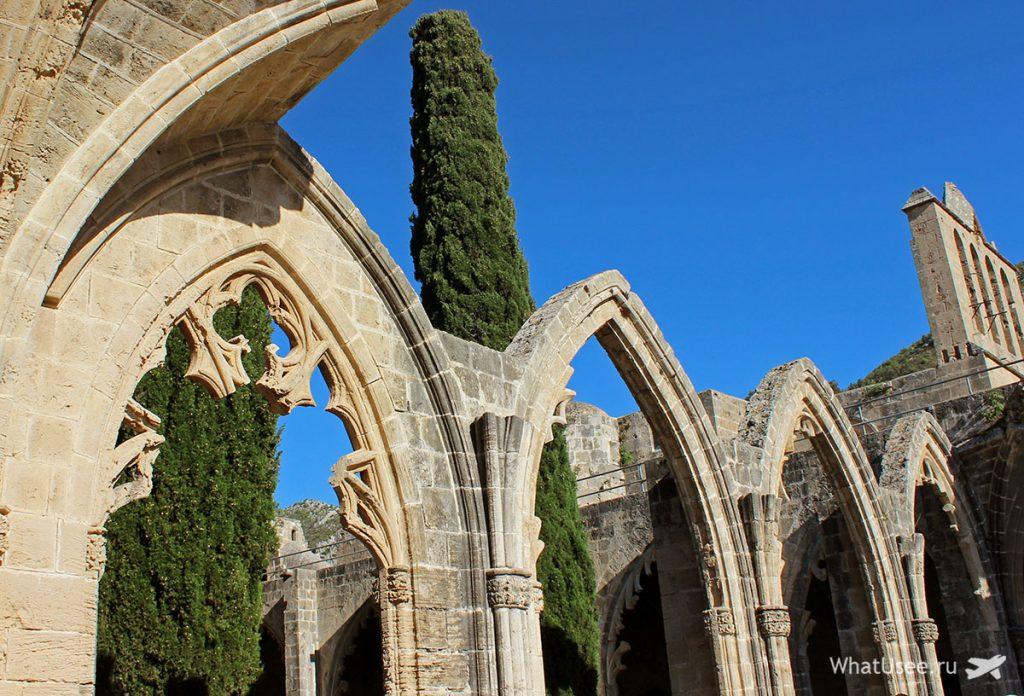 Архитектура аббатства Беллапаис на Северном Кипре