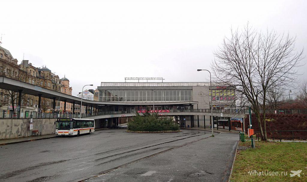 Автобусная остановка в Карловых Варах