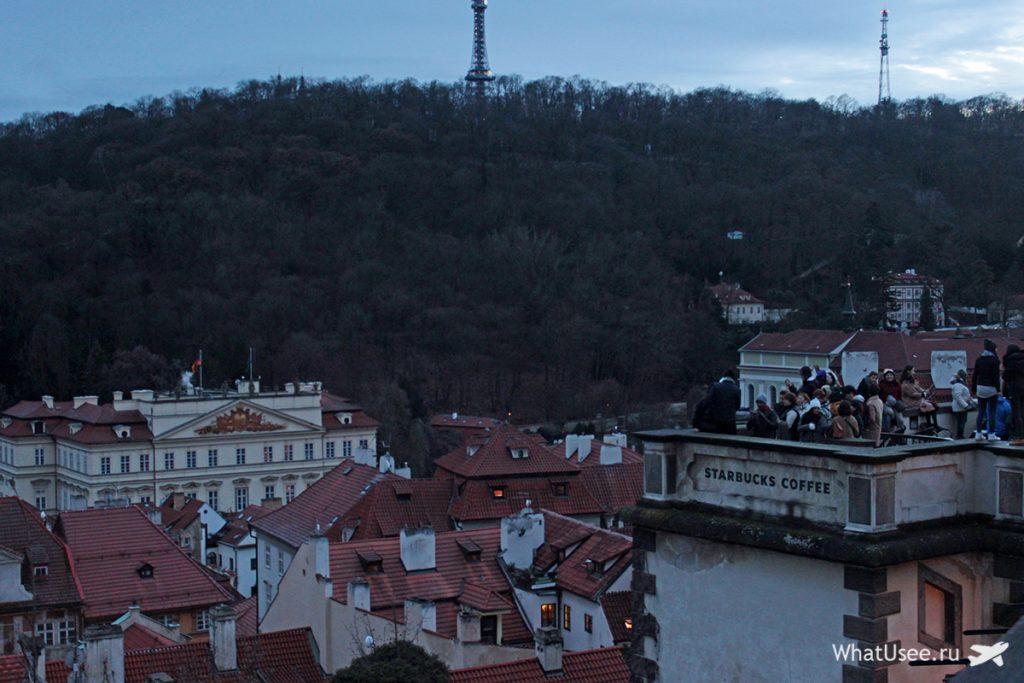 Петршинский холм и башня в Праге