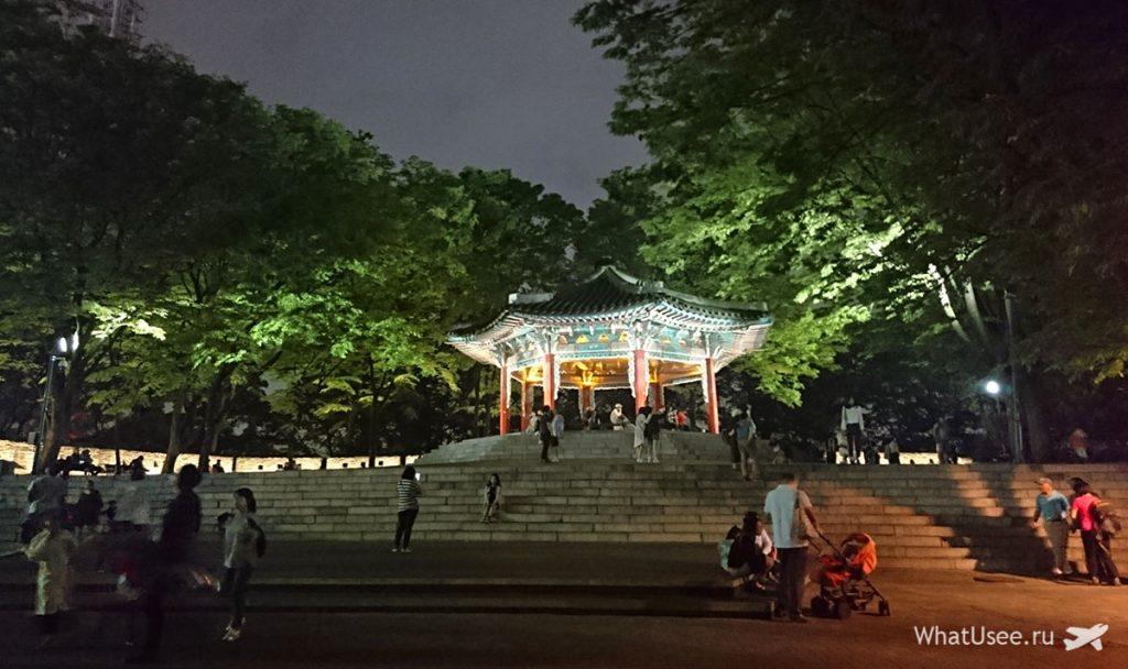 Смотровая площадка на горе Намсан в Сеуле