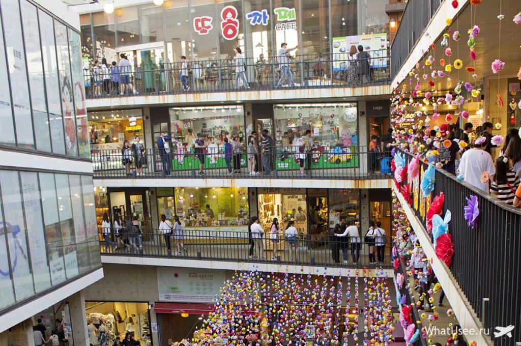 Улица Инсандон в Сеуле