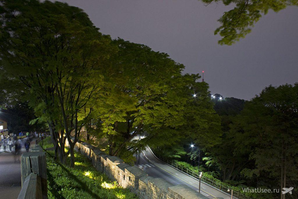 Сеульская городская стена на горе Намсан