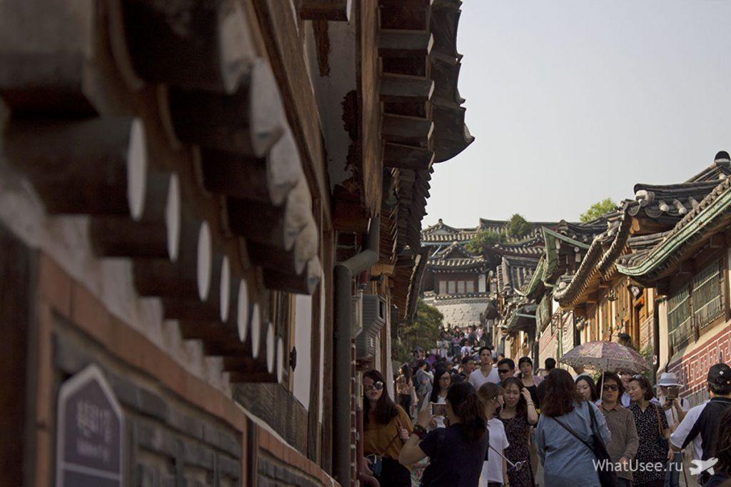 Улицы в деревне Букчон и корейский ханок в Сеуле