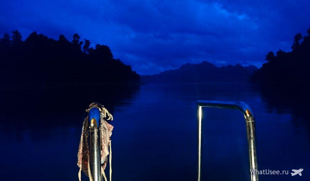 Ночь на озере Чео Лан