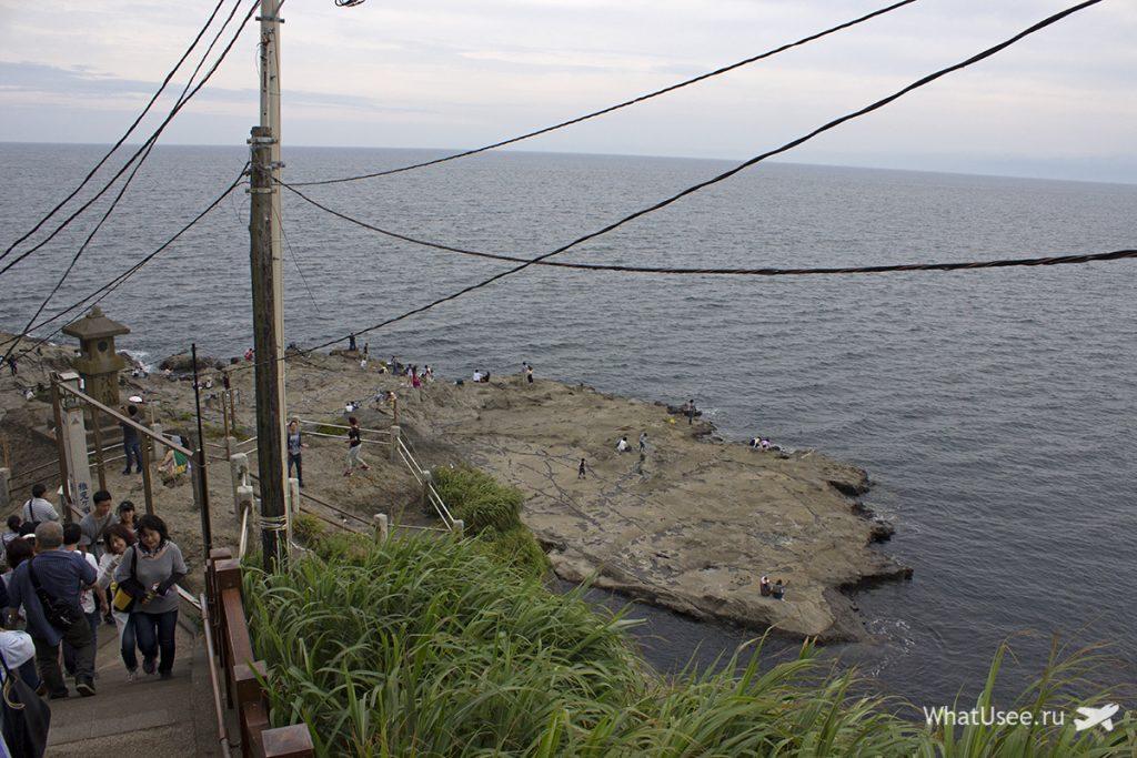 Скалы острова Эносима