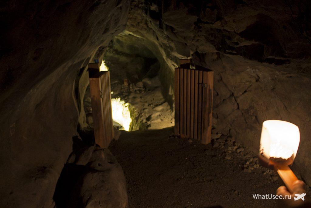 Пещеры на острове Эносима