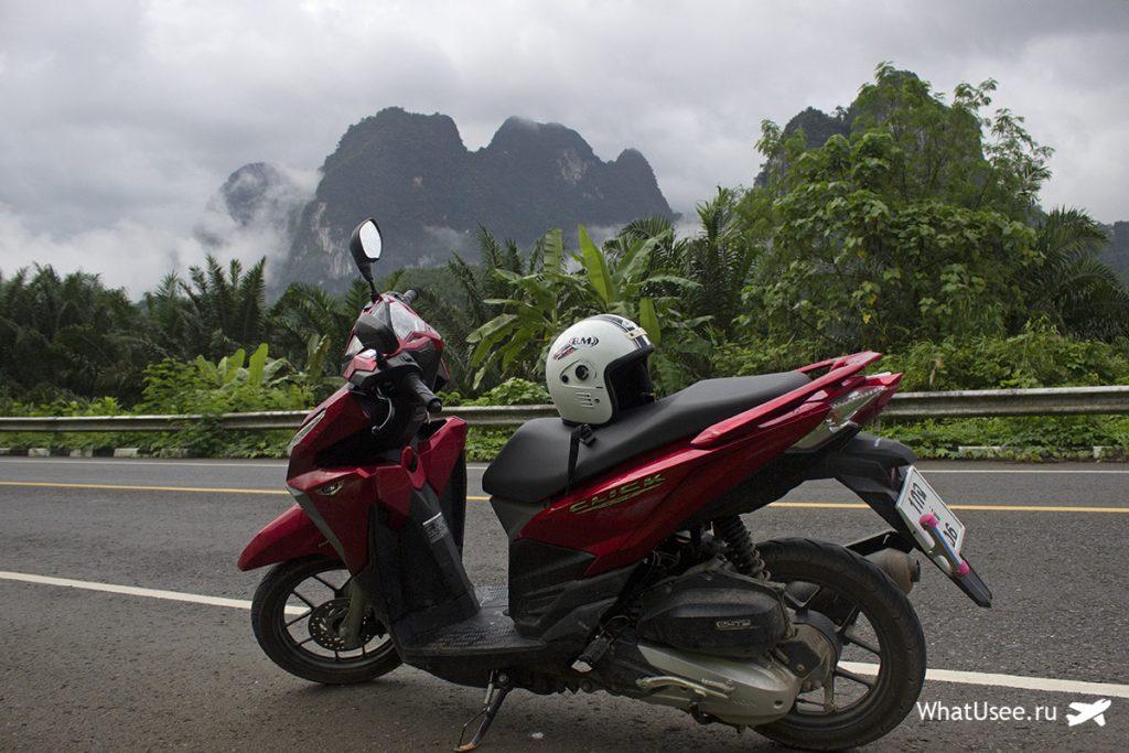 На байке в Као Сок в Таиланде