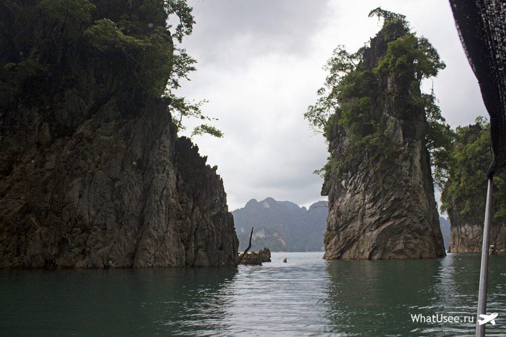 Поездка на лодке по озеру Чео Лан в Таиланде