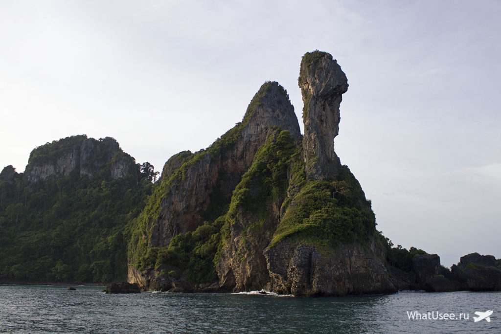 Поездка на лодке к острову Чикен в Краби