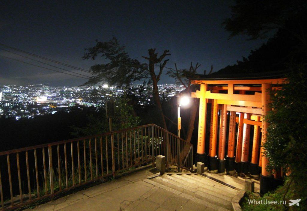 Храм Фусими Инари ночью