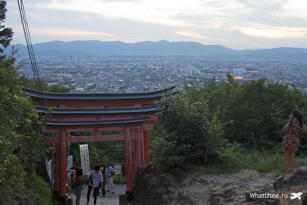 Прогулка по Фусими Инари в Киото