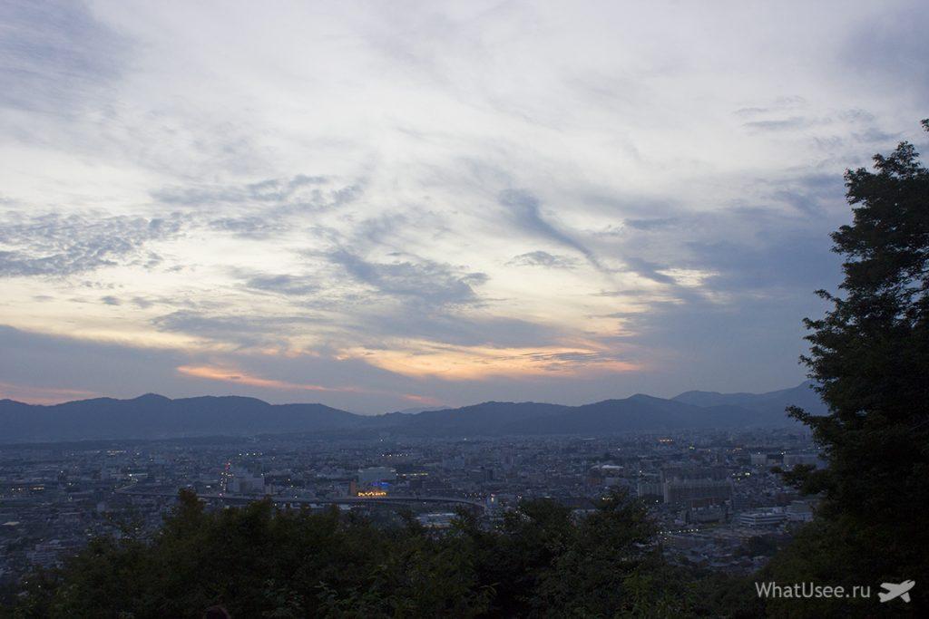 Поездка в Фусими Инари в Киото