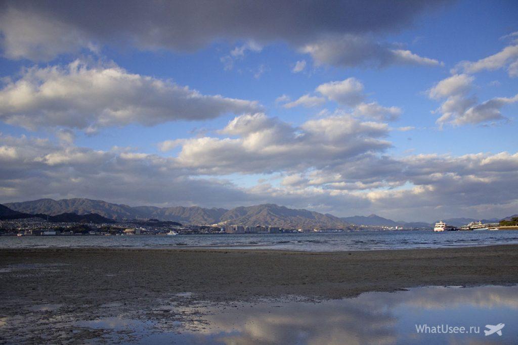 Отлив на острове Миядзима в Японии