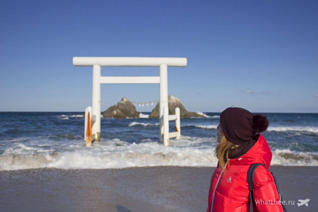 Скалы Sakurai Futamigaura из Фукуоки