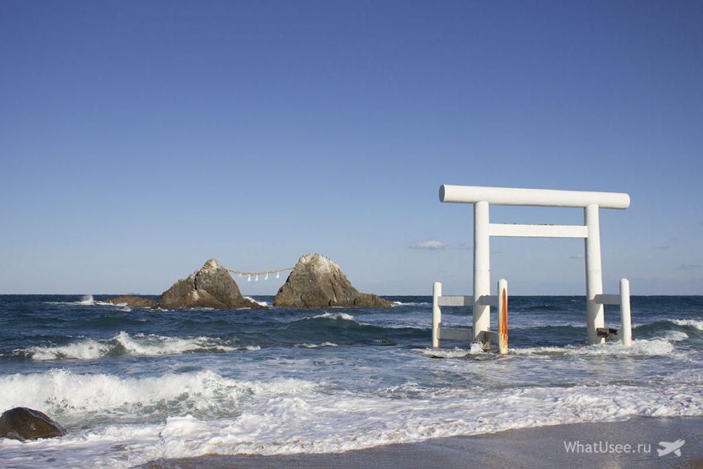 Скалы Sakurai Futamigaura