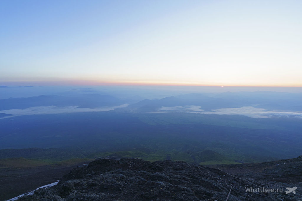 Рассвет на вершине Фудзи в Японии