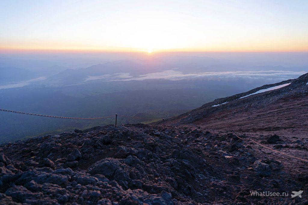 Рассвет на вершине Фудзи Япония