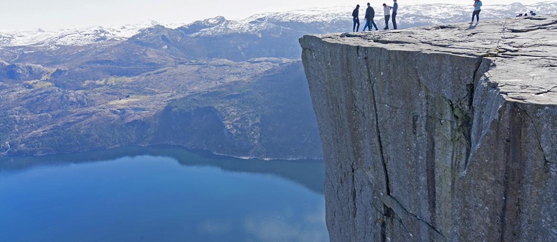 Норвегия скала Прекестулен